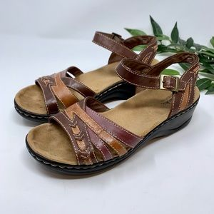 Clark's Bendable Brown Leather Open Toe Sandal 7.5